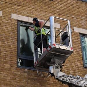 high-level-window-cleaning-radius1